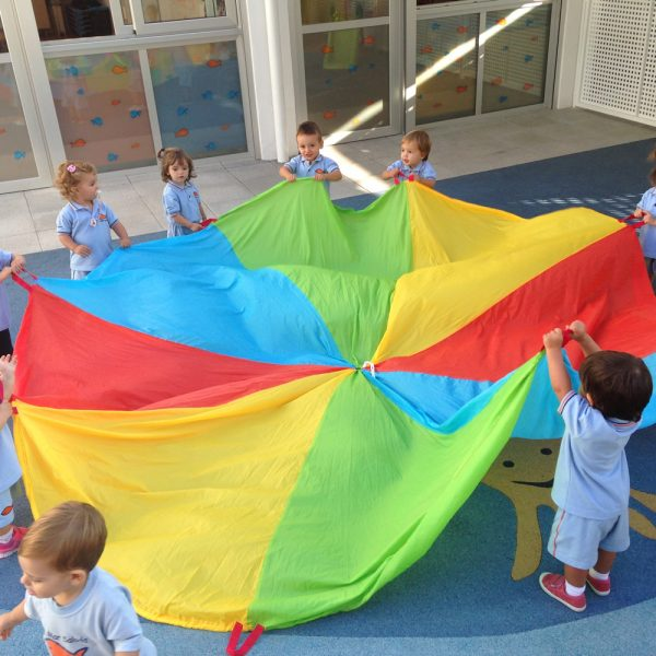 Escuela Infantil La Mar Salada_Paracaidas Color